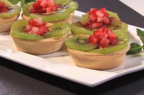 Tarteletes de kiwi e morangos