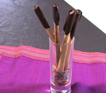 palitos-de-chocolate-blanco-y-negro_dtk
