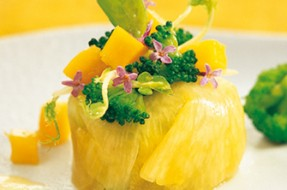 Salada_manga_ananas_lagostins_vinagrete_iogurte_broculos