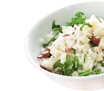 Salada_de_arroz_com_presunto_queijo_e_rúcula